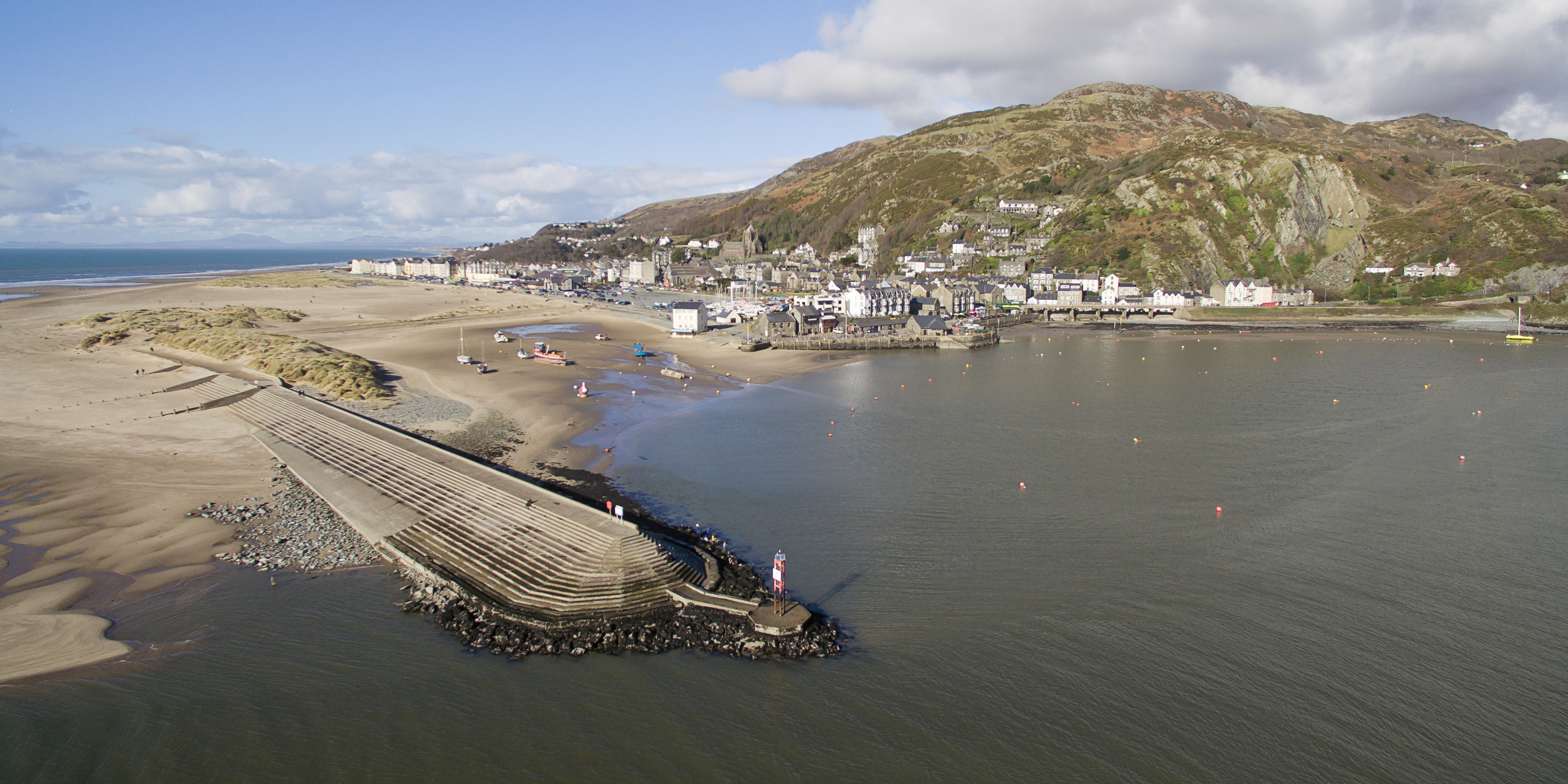 Barmouth Harbour 1.jpg