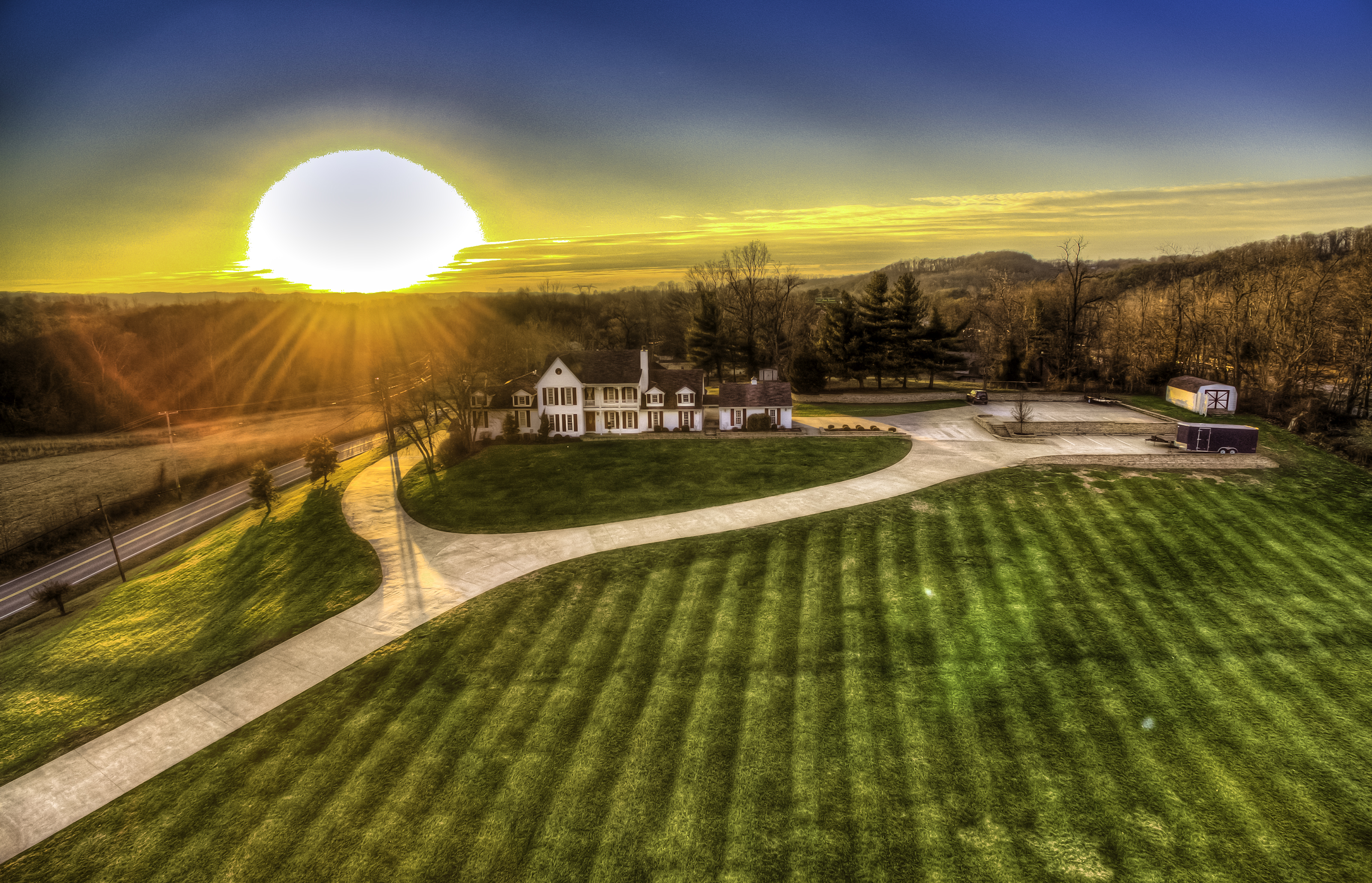 Teays Valley Rd House HDR.jpg