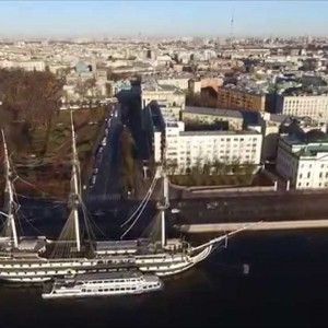 Over the river Neva. - YouTube