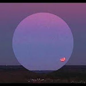 Blue Blood Moon Eclipse at moonset
